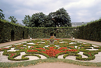 Trier: Garden and grounds of Baroque Palace. Photo '94.