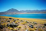 Volcanes Miscanti y Meñiques / desierto de Atacama, Chile.