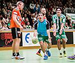 Stockholm 2014-11-08 Handboll Elitserien Hammarby IF - IFK Kristianstad :  <br /> Hammarbys Josef Pujol i bl&aring; tr&ouml;ja och Jonatan Wenell  reagerar &ouml;ver ett domslut under matchen mellan Hammarby IF och IFK Kristianstad <br /> (Foto: Kenta J&ouml;nsson) Nyckelord:  Eriksdalshallen Hammarby HIF HeIF Bajen IFK Kristianstad arg f&ouml;rbannad ilsk ilsken sur tjurig angry