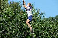 FIERLJEPPEN, WINSUM:  FK Fierljeppen, Hiske Galama Groningen (dames) 15.44m, ©foto Martin de Jong