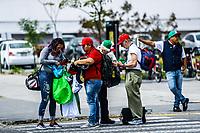 Venta de Souvenirs y gorras <br /> <br /> <br /> Aspectos del segundo d&iacute;a de actividades de la Serie del Caribe con el partido de beisbol  &Aacute;guilas Cibae&ntilde;as de Republica Dominicana contra Caribes de Anzo&aacute;tegui de Venezuela en estadio Panamericano en Guadalajara, M&eacute;xico,  s&aacute;bado 3 feb 2018. (Foto  / Luis Gutierrez)