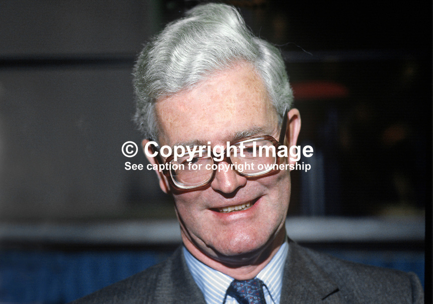 Douglas Hurd, MP, Conservative Party, UK, Secretary of State for N Ireland, at his party's annual conference, Brighton, 1984. 19840151DH2.<br />