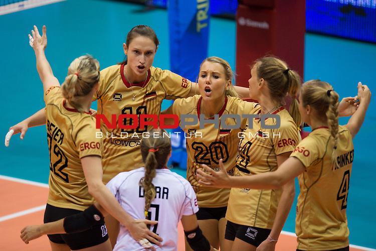 05.10.2014, Pala Trieste, Triest<br /> Volleyball, FIVB Volleyball Women`s World Championship 2014, 2. Runde, Deutschland (GER) vs. Aserbaidschan (AZE)<br /> <br /> Jubel Heike Beier (#12 GER), Christiane F&uuml;rst / Fuerst (#11 GER), Lenka D&uuml;rr / Duerr (#1 GER), Mareen Apitz (#20 GER), Margareta Kozuch (#14 GER), Maren Brinker (#4 GER)<br /> <br />   Foto &copy; nordphoto / Kurth