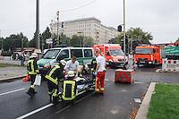 13-09-09 VU Polizeiauto Karl-Marx-Allee