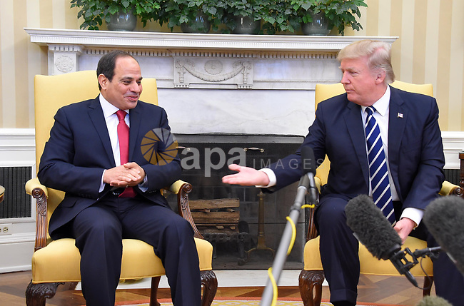 U.S. President Donald Trump meets Egyptian President Abdel Fattah el-Sisi (L) at the White House in Washington, United States on April 3, 2017. Photo by Egyptian President Office