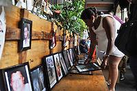 CUERNAVACA, MORELOS. 28 de Octubre de 2015- Familiares de v&iacute;ctimas de la delincuencia en Morelos, colocaron nuevas fotograf&iacute;as en el memorial ubicado en las puertas de la sede del gobierno estatal, mientras anunciaban que remodelar&aacute;n este espacio ante incremento de v&iacute;ctimas. <br /> <br /> Fotos: No&eacute; Knapp