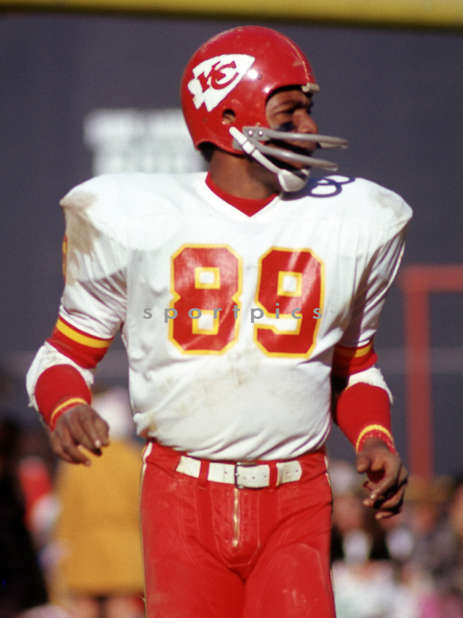 Kansas City Chiefs Otis Taylor (89) during a game from his 1973 season the Kansas City Chiefs. Otis Taylor played for 11 years all with the Kansas City Chiefs and was a 3-time Pro Bowler(SportPics)