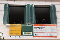 SAO PAULO, SP - 12.12.2014 - ENTREGA DE HABITAÇÃO - F. HADDAD - O Prefeito da Cidade de São Paulo, Fernando Haddad faz a entrega do Edifício Palacete dos Artistas, Antigo Hotel Cineasta na manhã desta sexta-feira (12). As instalações do edifício foram revitalizadas e transformada em moradia popular para artistas, disponibilizando 50 apartamentos para entidades do meio artístico.<br /> <br /> (Foto: Fabricio Bomjardim / Brazil Photo Press).