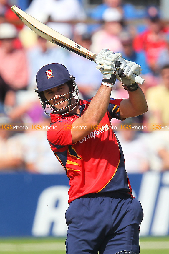 Ryan ten Doeschate hits another six runs for Essex - Essex Eagles vs Scotland - Yorkshire Bank YB40 Cricket at the Essex County Ground, Chelmsford - 02/06/13 - MANDATORY CREDIT: Gavin Ellis/TGSPHOTO - Self billing applies where appropriate - 0845 094 6026 - contact@tgsphoto.co.uk - NO UNPAID USE
