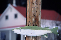 Amérique/Amérique du Nord/Canada/Quebec/Charlevoix : L'anse-à-sac - Enseigne saumon sur un pylone