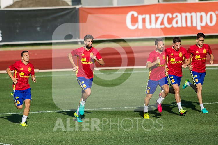 Spain's players during the first training of the concentration of national soccer team before the Uefa Euro 2016.  Jun 4,2016. (ALTERPHOTOS/Rodrigo Jimenez)