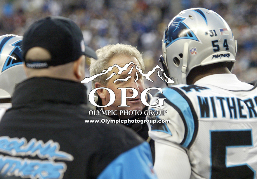 January 22, 2005:  Carolina Panthers head coach John Fox talked on the sidelines with linebacker Will Witherspoon against the Seattle Seahawks at Quest Field in Seattle, WA.
