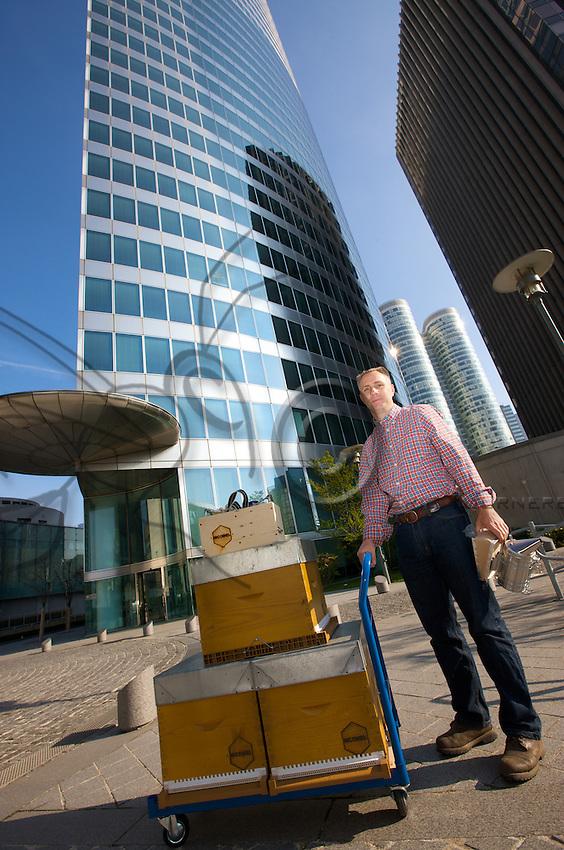 Nicolas Geant, beehive, urban beekeeper, EDF tower, La defense, Paris