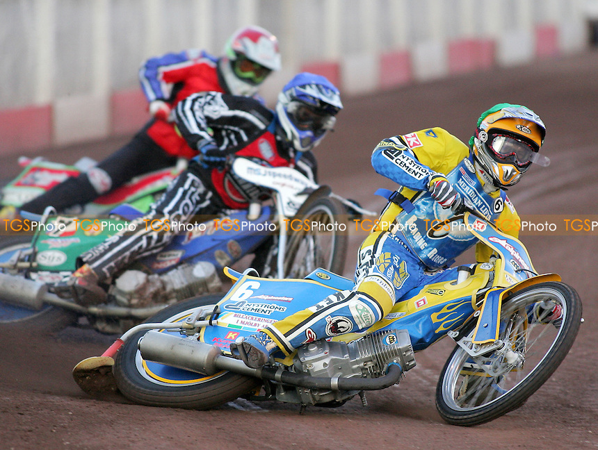 Heat 2 - Davidsson (green), Tomicek (blue), Kling - Lakeside Hammers vs Reading Racers - Sky Sports Elite League at Arena Essex, Purfleet - 03/08/07 - MANDATORY CREDIT: Gavin Ellis/TGSPHOTO - SELF-BILLING APPLIES WHERE APPROPRIATE. NO UNPAID USE. TEL: 0845 094 6026..