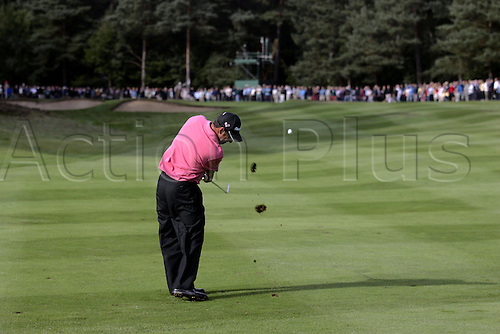 16 September  2005:  Rear view of Spanish golfer Jose Maria Olazabal (ESP) playing towards the 11th green during his second round match against Cabrera on day 2 of The HSBC World Matchplay Championship, West Course, Wentworth. Cabrera won the match 4 and 3. Photo: Glyn Kirk/Actionplus....050916 man men golf player fairway.