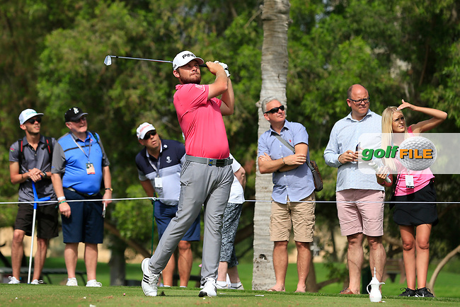 Tyrrell Hatton (ENG) on the 4th tee during Round 2 of the Omega Dubai Desert Classic, Emirates Golf Club, Dubai,  United Arab Emirates. 25/01/2019<br /> Picture: Golffile | Thos Caffrey<br /> <br /> <br /> All photo usage must carry mandatory copyright credit (&copy; Golffile | Thos Caffrey)