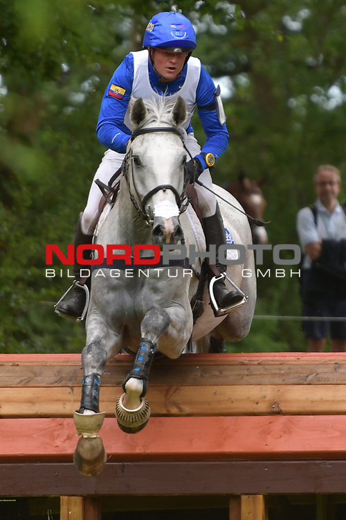 16.06.2018,  GER;  Luhmuehlen 2017, Vielseitigkeit, Gelaendepruefung C****, im Bild  Niclas Wettstein (ECU) auf Meyer´s Happy am DHL Komplex Foto © nordphoto / Witke *** Local Caption ***