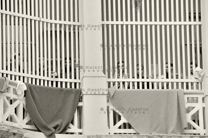 Trapani: migrants locked in the center of identification and deportation for immigrants Vulpitta.<br /> Trapani: migranti nordafricani rinchiusi nel CIE Vulpitta