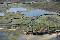Europe/France/Aquitaine/33/Gironde/Bassin d'Arcachon: l'Ile aux Oiseaux cabanes et prés salés  -Vue aérienne