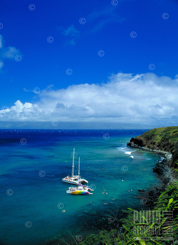 Honolua bay, North shore, w/ sailboats, Maui