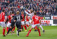 Parade Torwart Florian Müller (1. FSV Mainz 05) - 12.05.2019: Eintracht Frankfurt vs. 1. FSV Mainz 05, 33. Spieltag Bundesliga, Commerzbank Arena, DISCLAIMER: DFL regulations prohibit any use of photographs as image sequences and/or quasi-video.