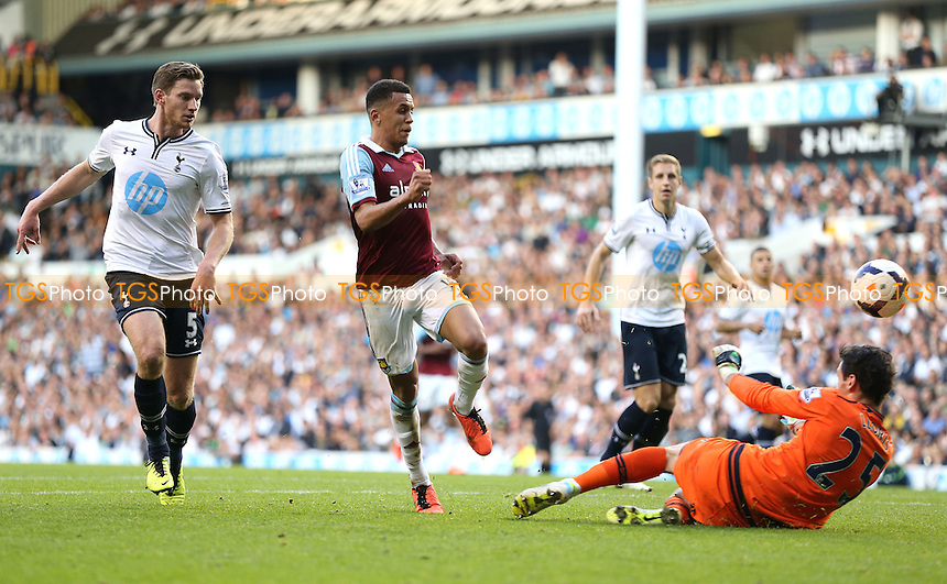 Ravel Morrison scores the 3rd goal for West Ham - Tottenham Hotspur vs West Ham United, Barclays Premier League at White Hart Lane, Tottenham - 06/10/13 - MANDATORY CREDIT: Rob Newell/TGSPHOTO - Self billing applies where appropriate - 0845 094 6026 - contact@tgsphoto.co.uk - NO UNPAID USE