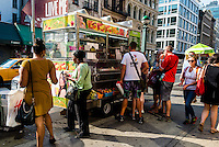 New York, NY 7 July 2014 - Broadway food cart vendors offering healthy choices in street food. © Stacy Walsh Rosenstock/Alamy
