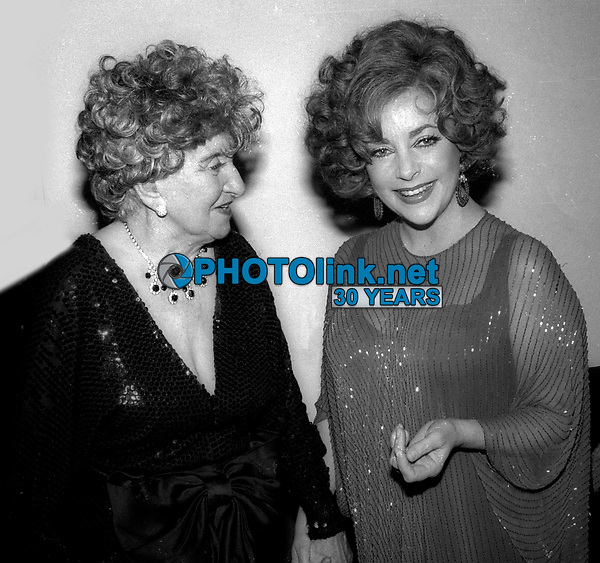Hermione Gingold Elizabeth Taylor Undated<br /> Photo By Adam Scull/PHOTOlink.net