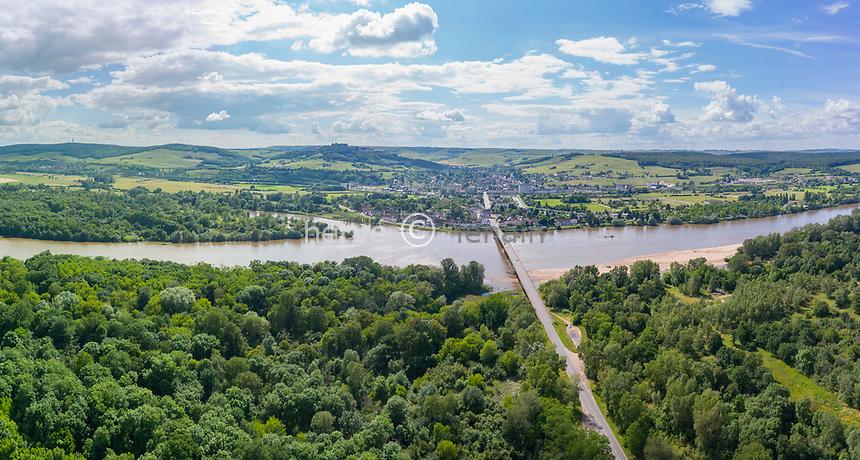 France, Nièvre (58) et Cher (18), la Loire, à droite du fleuve la Nièvre, à gauche le Cher et le Sancerrois (vue aérienne)