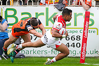Picture by Alex Whitehead/SWpix.com - 12/05/2018 - Rugby League - Ladbrokes Challenge Cup - Castleford Tigers v St Helens - Mend-A-Hose Jungle, Castleford, England - St Helens' Ben Barba scores a try.
