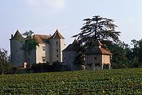 Europe/France/Midi-Pyrénées/46/Lot/Vallée du Lot/Vignoble de Cahors: Vignes et pigeonnier au château de Grezels