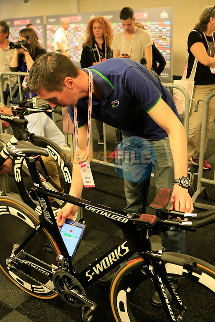 UCI officials scanning for hidden motors during Stage 1 of the 2016 Giro d'Italia, an individual time trial of 9.8km around Apeldoorn, The Nethrerlands. 6th May 2016.<br /> Picture: Eoin Clarke | Newsfile<br /> <br /> <br /> All photos usage must carry mandatory copyright credit (&copy; Newsfile | Eoin Clarke)