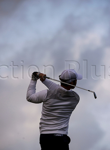 17.10.2014. The London Golf Club, Ash, England. The Volvo World Match Play Golf Championship.  Day 3 group stage matches.  Paul Casey [ENG] tee shot, fourth hole.