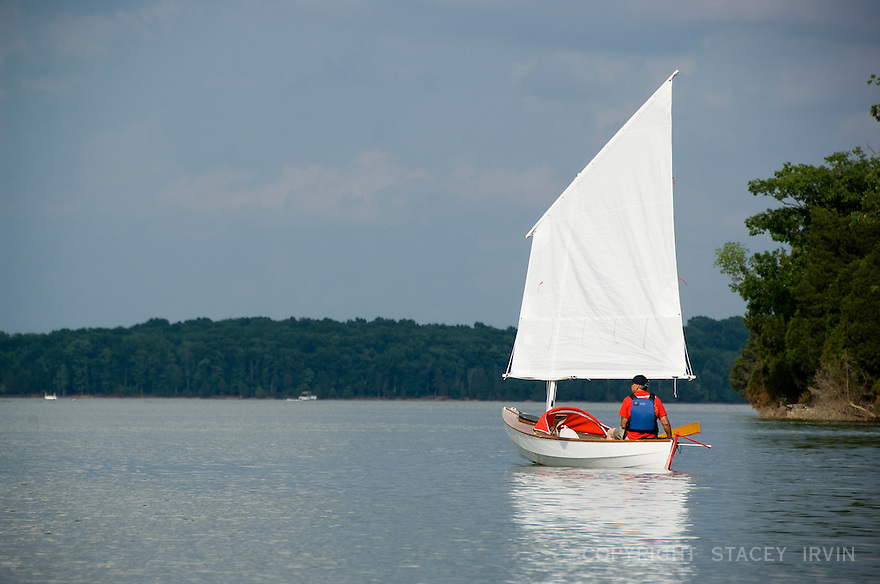 John Guider tests his Expedition Skerry on Percy Priest Lake in Nashville, TN prior to leaving for the Gulf. John built his boat in 2009 with a custom design by John Harris of CLC Boats. In 2010, John Harris replaced the deck and modified the sail rigging to ready the boat for ocean conditions in the Gulf of Mexico. John resumed his Great Loop journey from Bayou Caddy, MS on June 9, 2010. More information at http://www.theriverinside.com