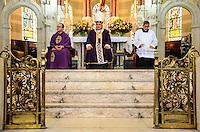 RIO DE JANEIRO, RJ, 06.11.2013 -PREFEITO EDUARDO PAES / MISSA CONTAGEM REGRESSIVA / 450 ANOS DO RIO DE JANEIRO -  O arcebispo do Rio de Janeiro, Don Orani Tempesta celebrou a  missa que marca a contagem regressiva de 450 dias para a comemora&ccedil;&atilde;o dos 450 anos da cidade do Rio de Janeiro, em 1&ordm; de mar&ccedil;o de 2015, na Igreja de S&atilde;o Sebasti&atilde;o dos Capuchinhos, na Tijuca, onde est&aacute; exposto o Marco da Funda&ccedil;&atilde;o da cidade, na Tijuca,<br /> zona norte da cidade do Rio de Janeiro. (Foto: Marcelo Fonseca / Brazil Photo Press).