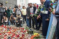 """Der """"Marsch der Muslime gegen Terrorismus"""" am Sonntag den 9. Juli 2017 in Berlin.<br /> Etwa sechzig Imame aus Frankreich und anderen europaeischen Laendern, darunter auch sechs Imame aus Berlin werden ab dem 9. Juli 2017 in europaeische Staedte fahren, wo es in den letzten Jahren besonders schwere islamistisch motivierte Terroranschlaege gegeben hat.In Berlin versammelten sie sich zusammen mit Mitgliedern der christlichen und juedischen Gemeinde an der Kaiser-Wilhelm-Gedaechtnis-Kirche in Berlin-Charlottenburg wo im Dezember 2016 einen Anschlag auf den Weihnachtsmarkt gegeben hatte.<br /> Der franzoesische Imam Hassen Chalghoumi aus dem Pariser Vorort Drancy engagiert sich seit vielen Jahren fuer ein friedliches Miteinander der Religionen, insbesondere im Verhaeltnis der Muslime zum Judentum. Zusammen mit seinem Freund, dem juedischen Schriftsteller Marek Halter, der seit Jahrzehnten in gleicher Weise engagiert ist hat er den """"Marche des musulmans contre le terrorisme"""" initiert. Sie wollen nach Bruessel, Paris, St.-Etienne-du-Rouvray, Toulouse und Nizza und dort oeffentlich fuer die Opfer beten und gegen einen Missbrauch des Islam durch Terroristen und menschenfeindliche Gruppen eintreten.<br /> Die Evangelische Kirche Berlin-Brandenburg-schlesische Oberlausitz unterstuetzt das Anliegen der """"Marche des musulmans contre le terrorisme"""". Der Landesbischof Dr. Markus Droege hat an dem Gebet der Muslime auf dem Breitscheidplatz als Gast teilgenommen und einen Segen fuer die Teilnehmer ausgesprochen.<br /> Im Bild: 1.vl. (stehend mit Bart) Marek Halter; 2.vl. Imam Chalghoumi.<br /> 9.7.2017, Berlin<br /> Copyright: Christian-Ditsch.de<br /> [Inhaltsveraendernde Manipulation des Fotos nur nach ausdruecklicher Genehmigung des Fotografen. Vereinbarungen ueber Abtretung von Persoenlichkeitsrechten/Model Release der abgebildeten Person/Personen liegen nicht vor. NO MODEL RELEASE! Nur fuer Redaktionelle Zwecke. Don't publish without copyright Christian-Ditsch.de, Veroeffentlic"""
