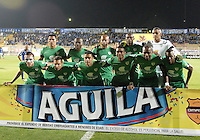 BOGOTÁ -COLOMBIA, 22-08-2015. Jugadores de La Equidad posan para una foto previo al encuentro con Millonarios por la fecha 8 de la Liga Águila II 2015 jugado en el estadio Metropolitano de Techo de la ciudad de Bogotá./ Players of La Equidad pose to a photo prior the match against Millonarios for the 8th date of the Aguila League II 2015 played at Metropolitano de Techo stadium in Bogota city. Photo: VizzorImage/ Gabriel Aponte / Staff