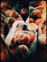 Peaches at Farmers market