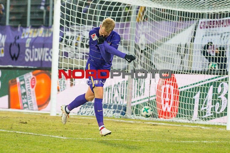 i19.03.2018, Erzgebirgsstadion, Aue, GER, 2. FBL, FC Erzgebirge Aue vs. SpVgg Greuther F&uuml;rth/Fuerth, im Bild<br /> <br /> <br /> Jubel 1:0 F&uuml;hrung durch Pascal Koepke (#14, FC Erzgebirge Aue), <br /> <br /> Foto &copy; nordphoto / Dostmann