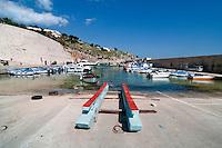 Castro Marina - Salento - Puglia - Porto di Castro Marina. In primo piano imbarcazione utilizzata per il soccorso e il salvataggio.