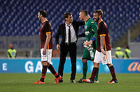 Calcio, Serie A: Roma vs Empoli. Roma, stadio Olimpico, 17 ottobre 2017.<br /> Roma&rsquo;s coach Rudi Garcia, second from left, greets Empoli&rsquo;s goalkeeper Lukasz Skorupski, second from right, at the end of of the Italian Serie A football match between Roma and Empoli at Rome's Olympic stadium, 17 October 2015. Roma won 3-1.<br /> UPDATE IMAGES PRESS/Isabella Bonotto