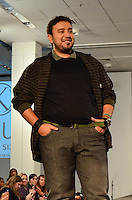 SAO PAULO, SP, 12 DE FEVEREIRO 2012 - FASHION WEEKEND PLUS SIZE - Modelo durante desfile da marca Kauê no Fashion Weekend Plus Size Inverno 2012 na tarde desse domingo (12) no espaco Frei Caneca na regiao central da capital paulista. (FOTO: CAIO BUNI / NEWS FREE).