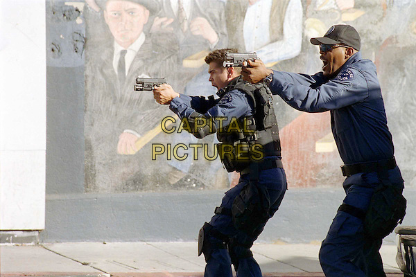 COLIN FARRELL & SAMUEL L. JACKSON .in SWAT - filmstill.Filmstill - Editorial Use Only.Ref: FB.sales@capitalpictures.com.www.capitalpictures.com.Supplied by Capital Pictures.