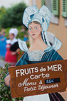 Europe/France/Bretagne/35/Ille et Vilaine/Dinard: Hôtel Printania _Porte Menu Serveuse en Costume traditionnel <br />  // France, Ille et Vilaine, Cote d'Emeraude (Emerald Coast), Dinard, Hotel Printania : menu holder: Waitress in traditional costume