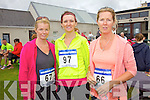 Competing in the Ballinskelligs 3 Beach Challenge on Sunday were l-r; Joanne O'Connor, Leona Moran & Noreen Moran.
