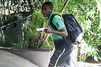 SÃO PAULO, SP, 06.06.2015 - FUTEBOL-SELEÇÃO - Elias jogador da seleção brasileira chega a capital paulista para amistoso contra o México na Arena Palmeiras no domingo, no Hotel Tivoli Mofarrej região centro-oeste da cidade de São Paulo neste sábado, 06. (Foto: Marcos Moraes/Brazil Photo Press/Folhapress)