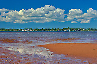 Red sandy beach at low tide. Northumberland Strait<br />