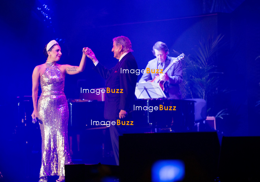 Lady Gaga et Tony Bennett en concert en duo sur la Grand-Place de Bruxelles,  pour la sortie de leur album &quot; Cheek to Cheek &quot;.<br /> Belgique, Bruxelles, 22 septembre 2014.<br /> Lady Gaga and Tony Bennett in  concert together on the Grand-Place in Brussels, for their upcoming album ' Cheek to Cheek'.<br /> Belgium, Brussels, September 22, 2014.