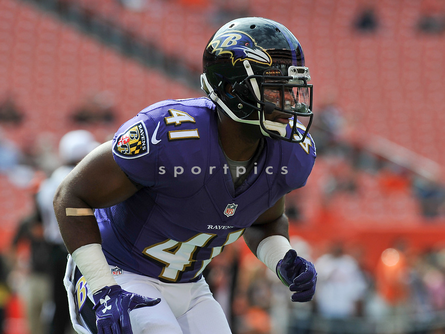 CLEVELAND, OH - JULY 18, 2016: Cornerback Anthony Levine #41 of the Baltimore Ravens warms up prior to a game against the Cleveland Browns on July 18, 2016 at FirstEnergy Stadium in Cleveland, Ohio. Baltimore won 25-20. (Photo by: 2017 Nick Cammett/Diamond Images)  *** Local Caption *** Anthony Levine(SPORTPICS)
