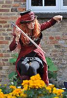 Caroline the Musical Saw Lady. Bunkfest, 2014, Wallingford.